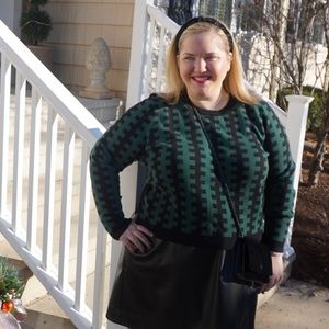 Cropped Green & Black Sweater